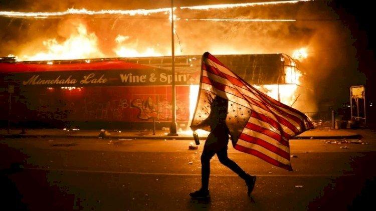 ABD Alev Alev! 10 Maddede George Floyd Olayının Perde Arkası